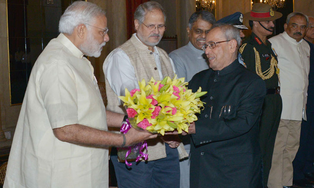 Delhi, 10 Oct 2015: PM Narendra Modi meeting the Presiden  Pranab Mukherjee on the occasion of his ceremonial departure for the State visit to Palestine, Jordan and Israel, at Rashtrapati Bhavan
