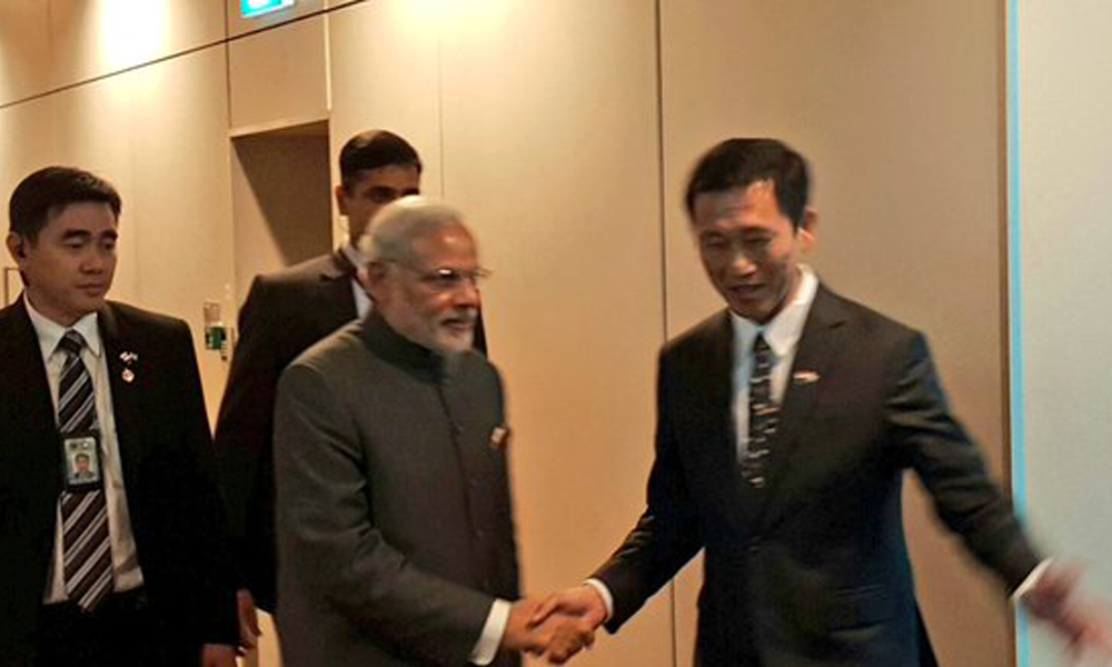 Singapore: 23 Nov 2015: PM Narendra Modi arrives in Singapore for the second leg of his 2 nation tour.