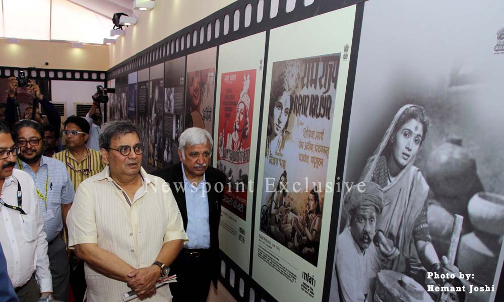 Goa: 23Nov 2015: Filmmaker Subhash Ghai inspects movies posters at the IFFI venue