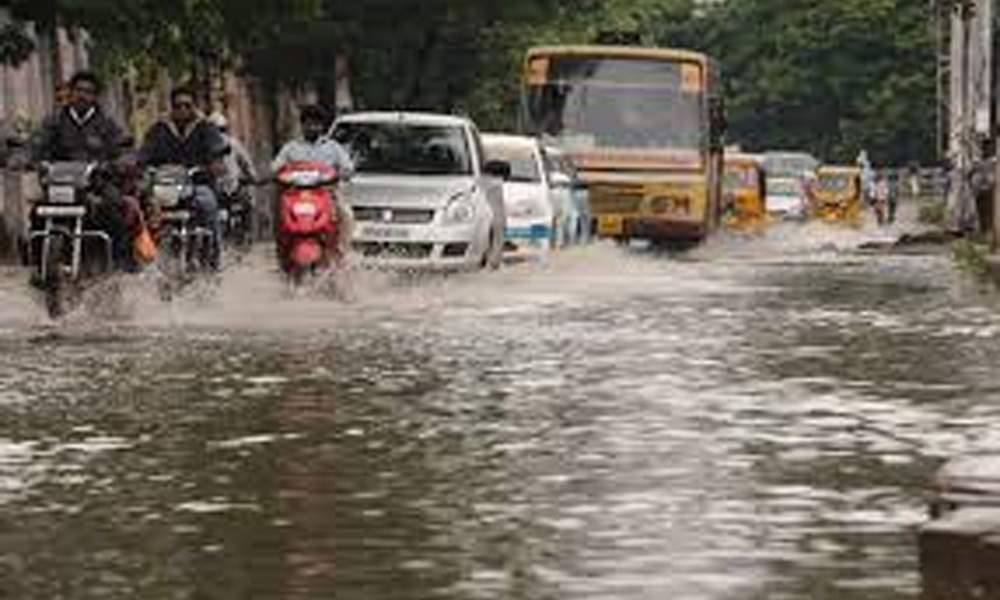 Chennai, 2nd Dec 2015: Heavy rain disrupts normal life, Flights, Road and Rail transport affected badly.