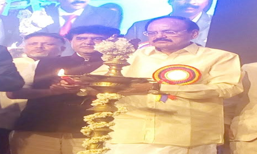 Chennai, 05 Nov. 16: Union Minister M Venkaiah Naidu inaugurates Platinum Jubilee celebrations of Builders Association of India.