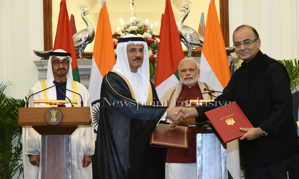 Delhi: 12th Feb 2016: The Prime Minister, Narendra Modi and the Crown Prince of Abu Dhabi, His Highness Sheikh Mohammed Bin Zayed Al Nahyan witnessing the exchange of an MoU, at Hyderabad House.
