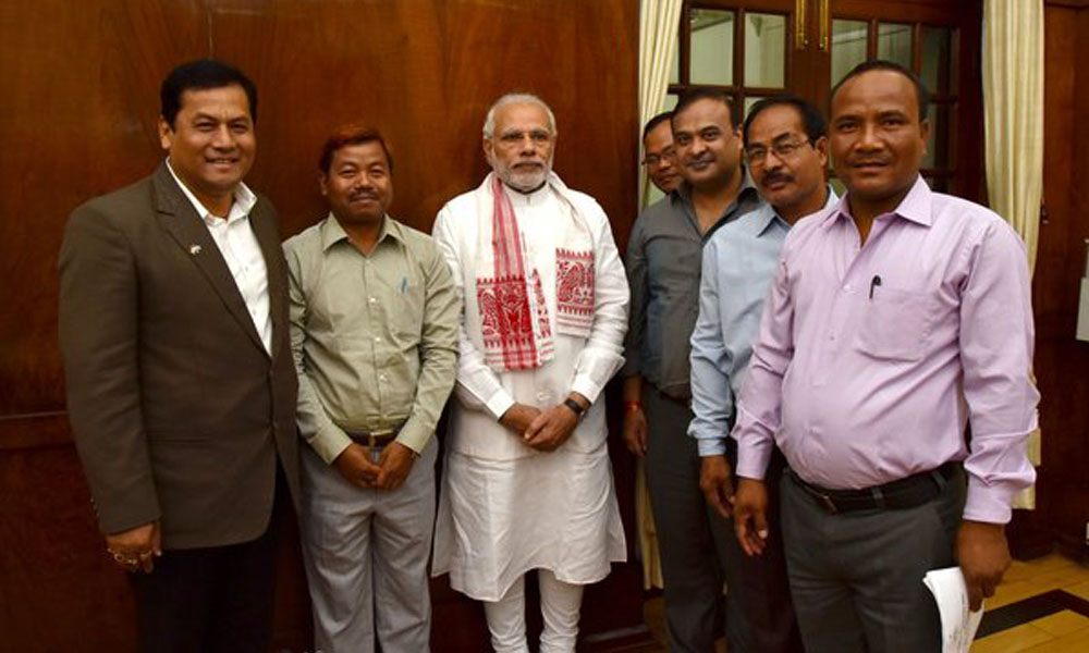 Delhi, 1st March 2016: Rabha Hasong Autonomous Council Delegation led by Union Minister Sarbanand Sonwal calls on PM Narendra Modi.