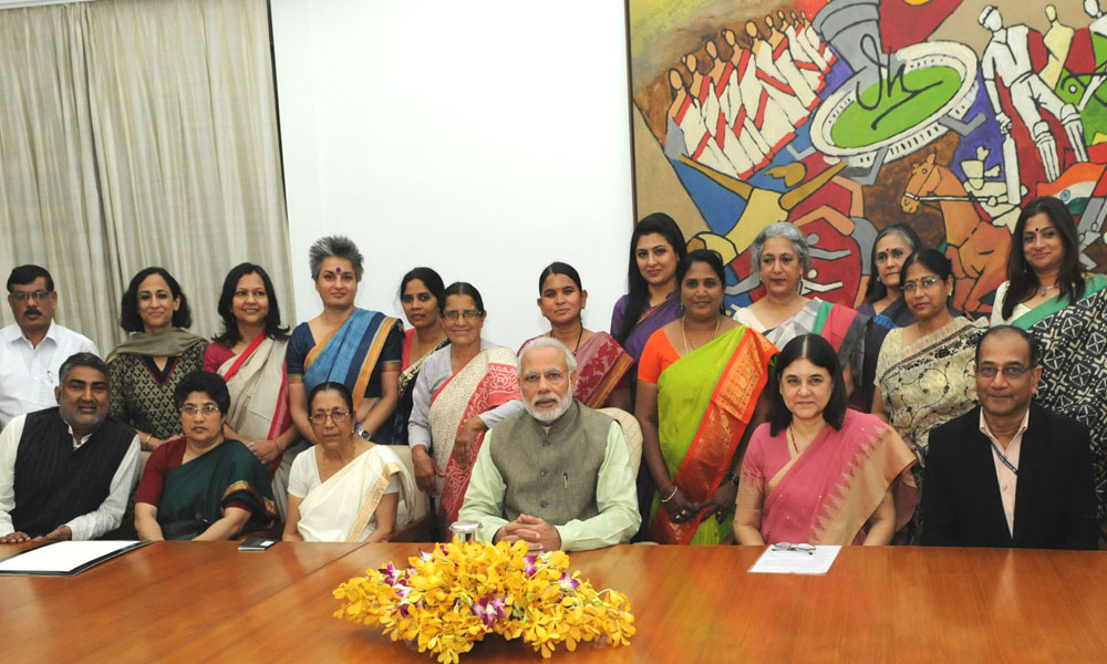 Delhi: 10th March 2016: PM Narendra Modi with the award winners of
