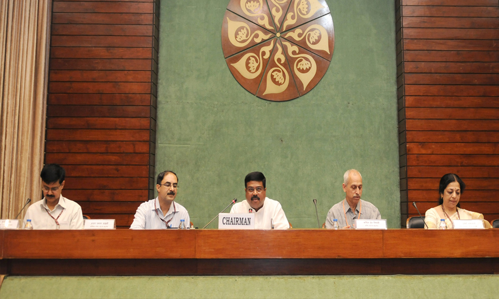 Delhi, 11 May 2016: The Minister of State for Petroleum and Natural Gas (Independent Charge), Dharmendra Pradhan chairing the meeting of the Consultative Committee of the Members of Parliament for the Ministry of Petroleum and Natural Gas on 'Pradhan Mantri Ujjwala Yojana'.