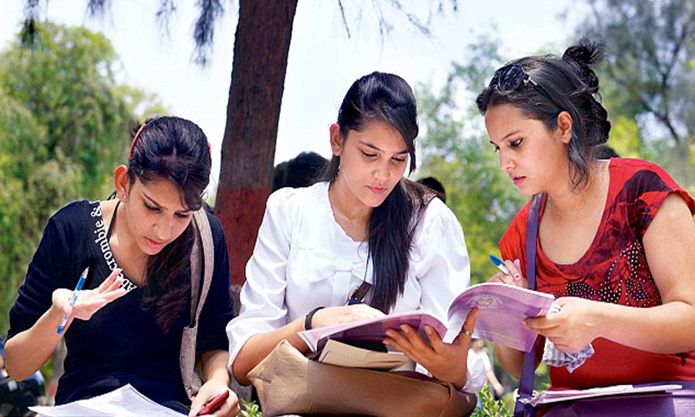 Delhi, 1st June 2016: Admission for bachelor Course begins today in Delhi University.