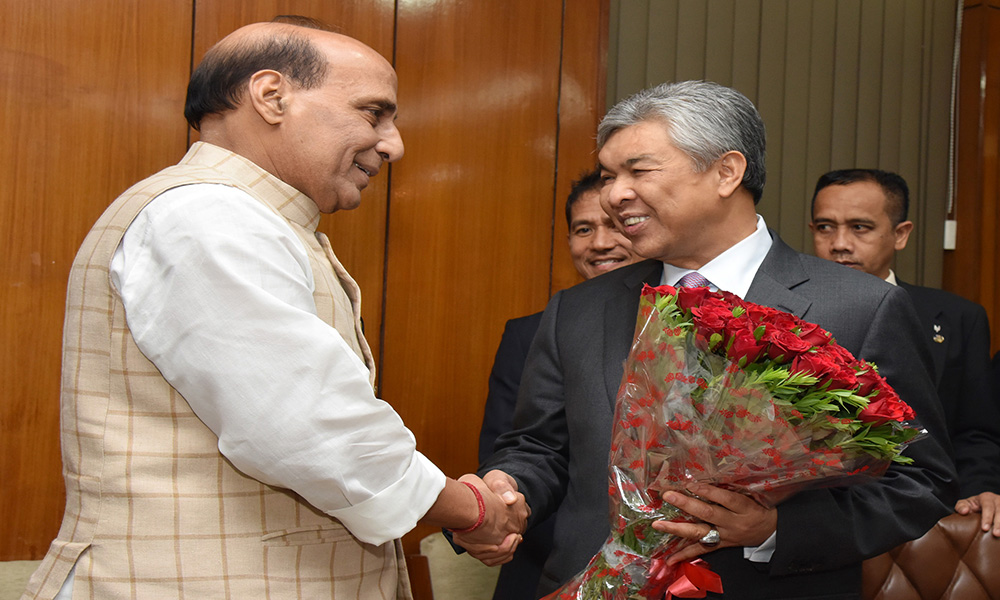 Delhi, 19th July 2016: The Deputy Prime Minister and Home Minister of Malaysia, Dato Seri Dr. Ahmad Zahid Hamidi meeting the Union Home Minister, Rajnath Singh.