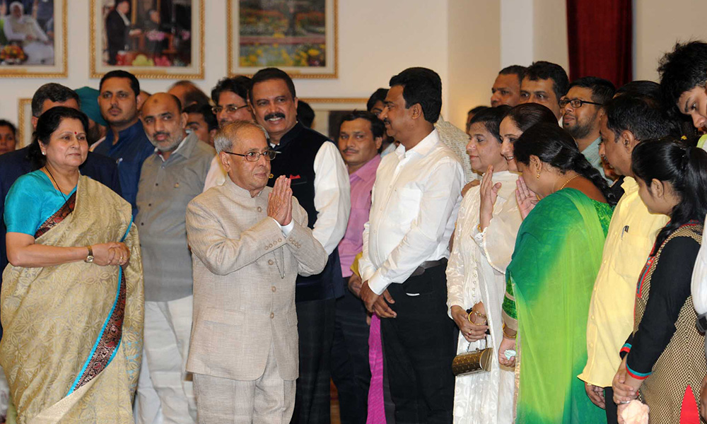 Delhi, 2nd July 2016: The President, Pranab Mukherjee meeting the invitees, at an Iftar party, hosted by him, at Rashtrapati Bhawan.