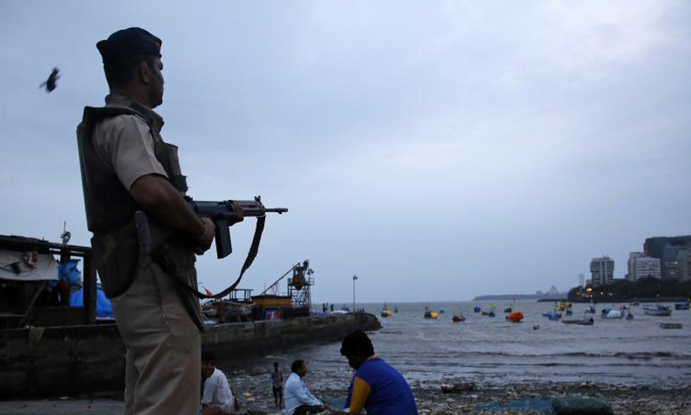 Maharashtra, 23 Sept 2016:  A high alert sounded along the Mumbai coast and adjoining areas after a group of men were spotted moving suspiciously near Uran Navy Base.