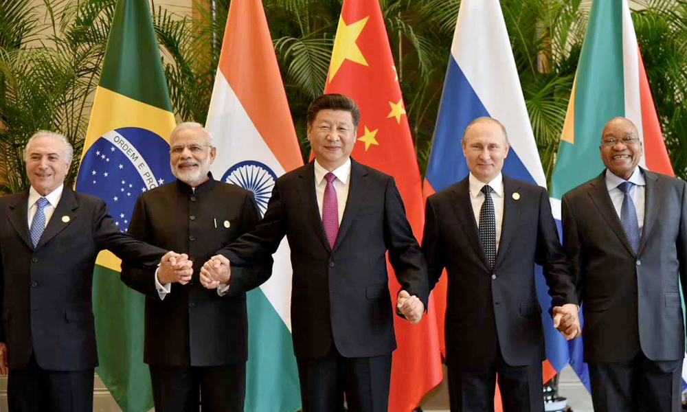 Hangzhou, 04 Sept 2016: PM Modi meet with other BRICS leaders on the sidelines of the G20 Summit.