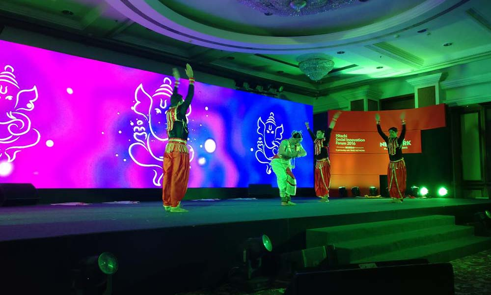 Delhi, 9th Sept 2016: Renowned Bharat Natyam dancer Sudha Chadran performing at the Hitachi Social Innovation Forum 2016