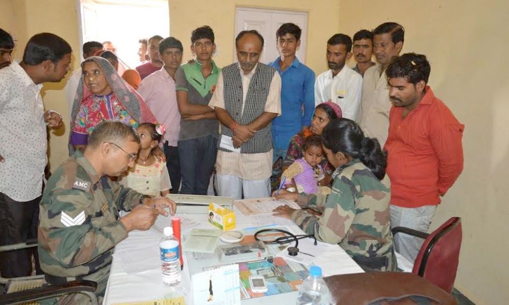 Jaisalmer, 9th Nov.2017: Army extends support to administration by providing team of doctors, nursing staff & ambulance for treatment of ailing people of District Hospital Jaisalmer, in view of the ongoing doctors strike.