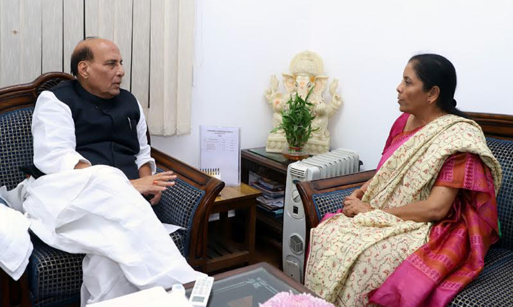 Delhi, 9th Dec.2017: The Union Minister for Defence, Smt. Nirmala Sitharaman calling on the Union Home Minister, Shri Rajnath Singh