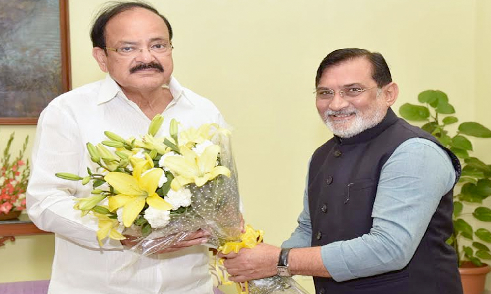 Delhi, 12th Aug.2017: The Administrator of Daman & Diu, Shri Praful Patel calling on the Vice President, Shri M. Venkaiah Naidu