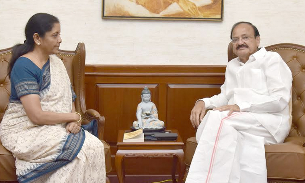 Delhi, 14th Sep.2017: The Union Minister for Defence, Smt. Nirmala Sitharaman calling on the Vice President, Shri M. Venkaiah Naidu