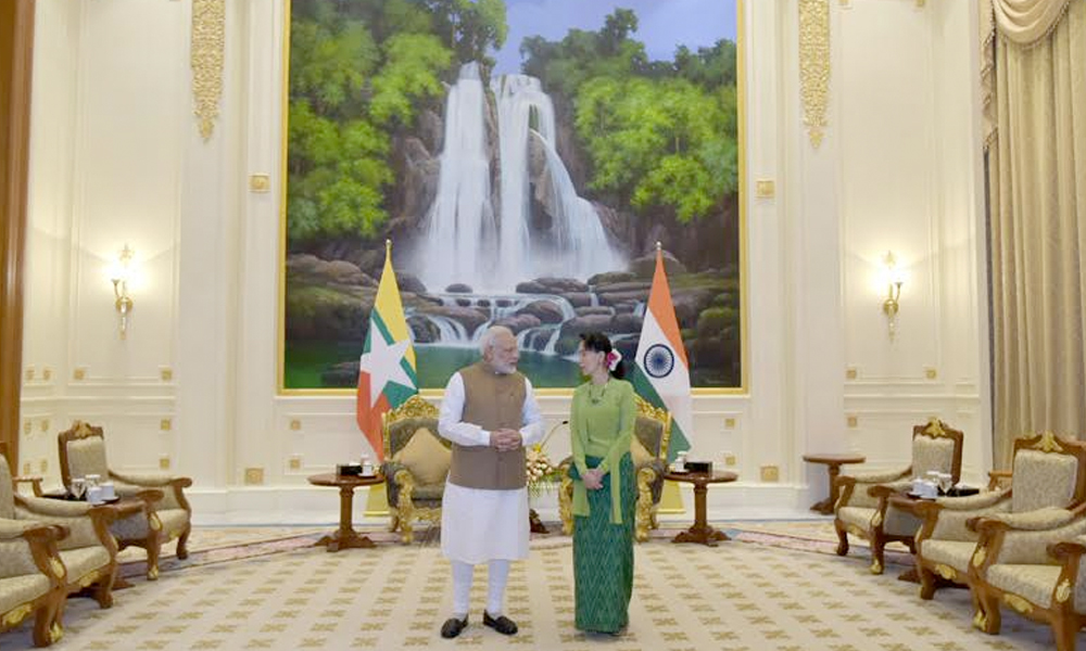 Myanmar, 6th Sep.2017: The Prime Minister, Shri Narendra Modi with the State Counsellor of Myanmar, Ms. Aung San Suu Kyi, on his arrival, at Presidential Palace, in Naypyidaw, Myanmar