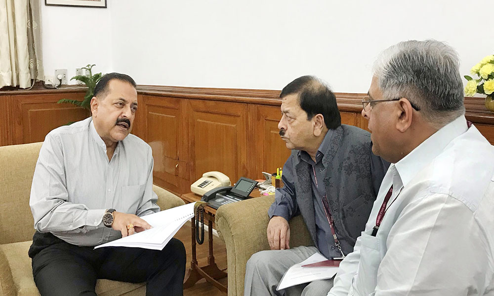 The Vigilance Commissioners, Central Vigilance Commission, Shri T.M. Bhasin and Shri Sharad Kumar calling on the Minister of State for Development of North Eastern Region (I/C), Prime Minister's Office, Personnel, Public Grievances & Pensions, Atomic Energy and Space, Dr. Jitendra Singh, to hand over the CVC Analysis Report on