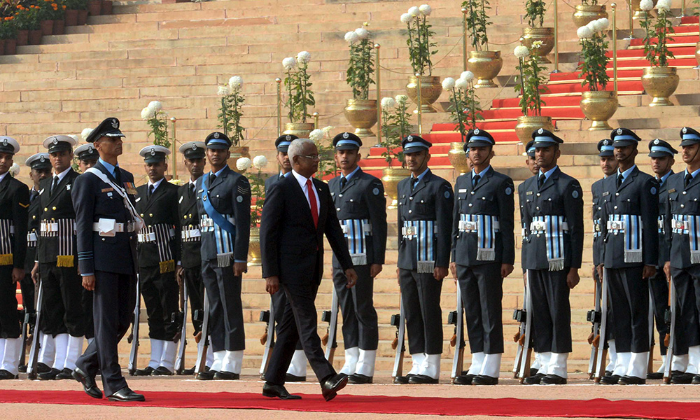 The President of Maldives, Mr. Ibrahim Mohamed Solih inspecting the Guard of Honour, during the Ceremonial Reception, at Rashtrapati Bhavan, in New Delhi.