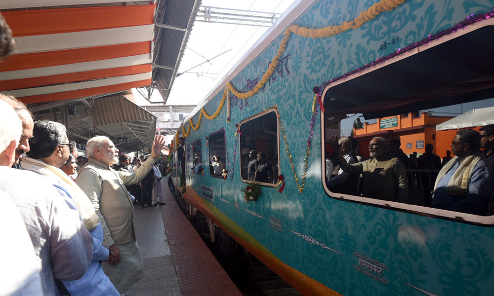 PM Modi flagged off the Palace Queen Humsafar Express between Mysuru and Udaipur, at Mysuru Railway Station, in Karnataka