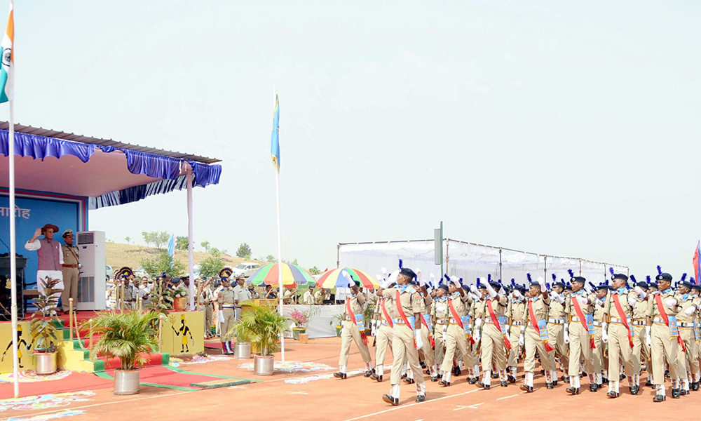 Union Home Minister Rajnath Singh taking salute at the Passing Out Parade of the 'Bastariya Battalion' of CRPF, at Ambikapur, in Chhattisgarh.