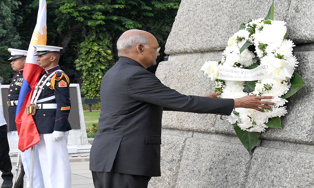 The President, Ram Nath Kovind laying wreath, at Rizal Park, Manila, in Philippines.