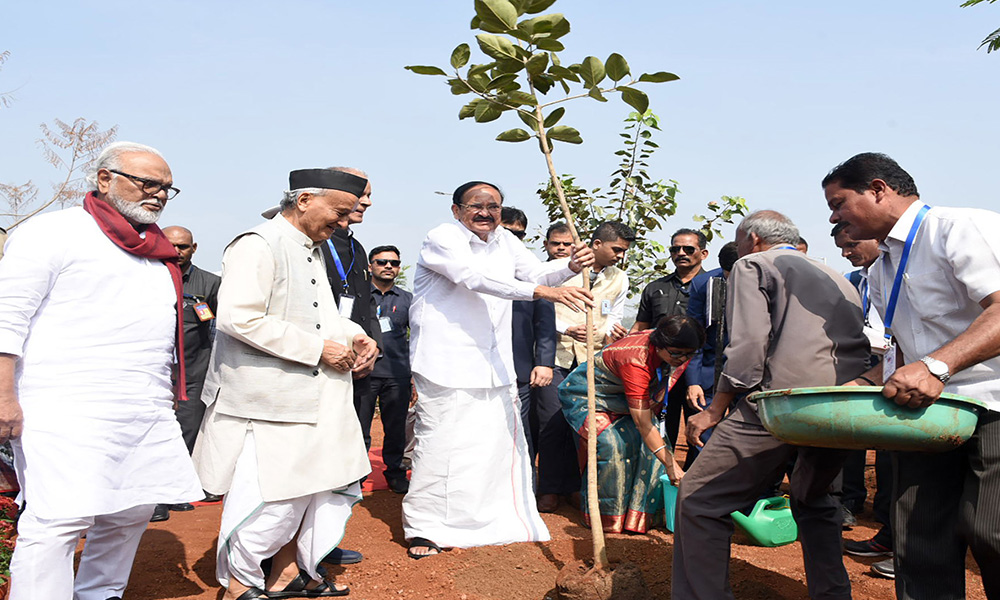 The Vice President, M. Venkaiah Naidu planting a sapling in university campus, during the 16th Convocation Ceremony of Symbiosis International (Deemed University), in Pune.