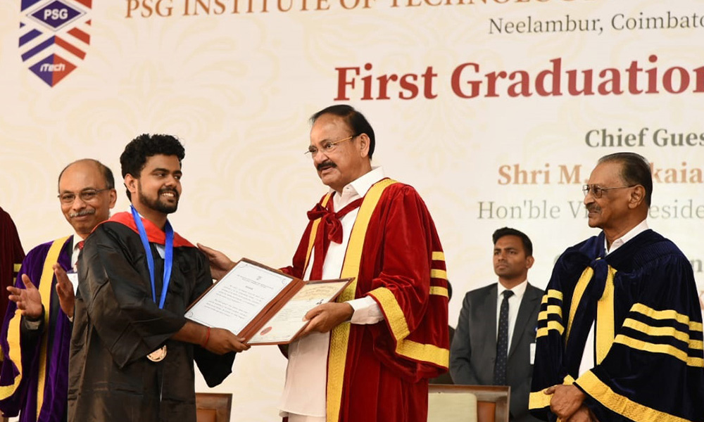 The Vice President, M. Venkaiah Naidu presenting the degrees to the Students, at the First Graduation ceremony of PSG Institute of Technology and Applied Research, in Coimbatore, Tamil Nadu