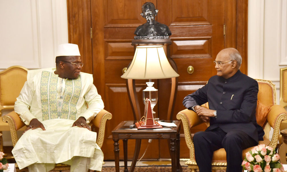 The Prime Minister of the Republic of Guinea, Dr. Ibrahima Kassory Fofana calling on the President, Ram Nath Kovind, at Rashtrapati Bhavan, in New Delhi.