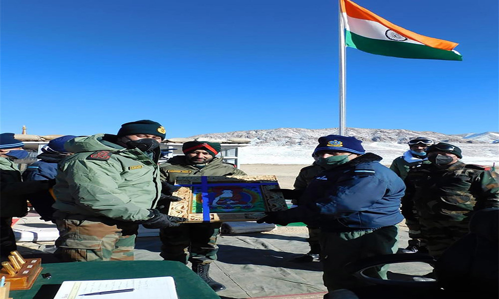 Chief of the Air Staff, Air Chief Marshal R.K.S. Bhadauria interacting with the local Commanders, during his visit to Air Force Stations and Advanced Landing Grounds in Ladakh.