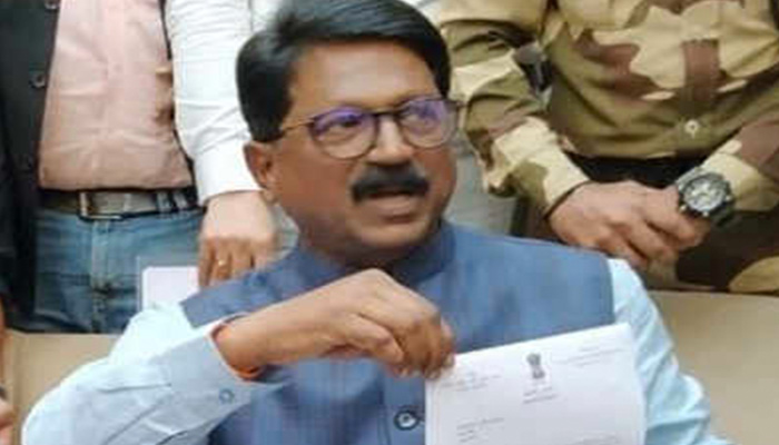 Arvind Sawant, Shiv Sena Minister in NDA government, resigns from union cabinet