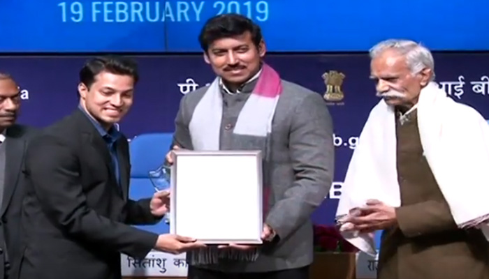 Col. Rajyavardhan Rathore presents 7th National Photography Awards