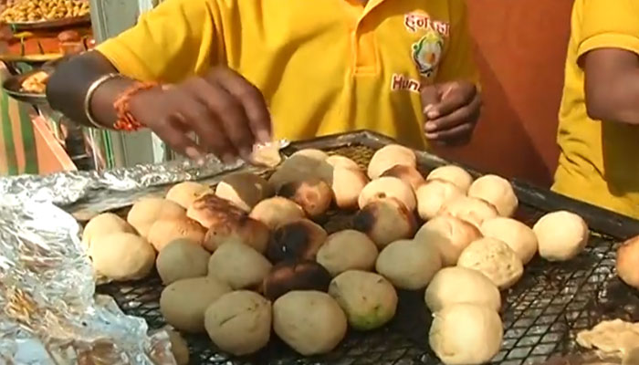 PM Modi visits 'HunarHaat' in Delhi; eat 'litti-chokha', Shop keeper says,